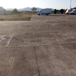 Vilă P+1 și parcare betonată,3.300 mp,Deva-DN 7