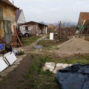 Două case în acceași curte+teren 3.500 mp,Turdaș